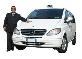 Transfer con taxi da/per Procida Marina Grande